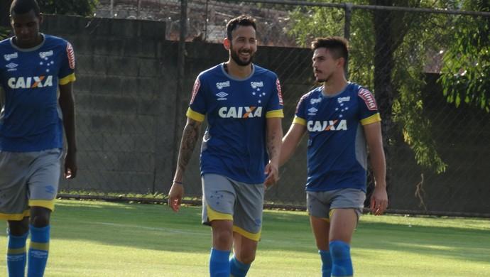 Ariel Cabral, volante do Cruzeiro (Foto: Marco Antônio Astoni / GloboEsporte.com)
