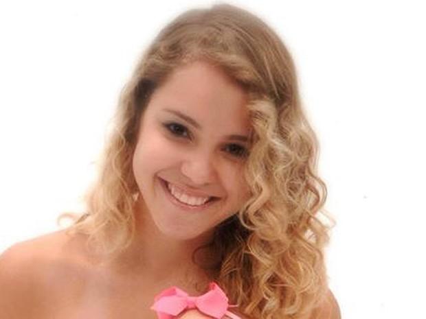 A estudante de biologia da UnB Louise Ribeiro, que foi morta nesta quinta-feira (10) por um aluno do curso em um laboratório da universidade (Foto: Facebook/Reprodução)