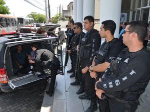 Vereadores foram levados ao MP para prestar depoimento (Foto: Divulgação MP)