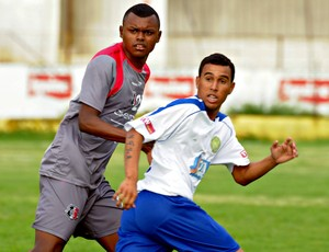 Sandro Manoel - Santa Cruz x Jaguar (Foto: Aldo Carneiro/Pernambuco Press)