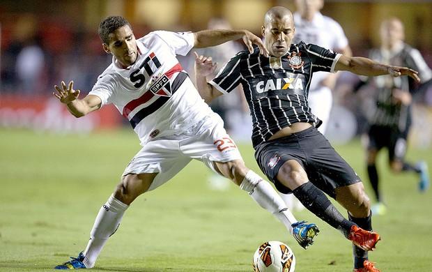 Emerson e Douglas jogo São Paulo Corinthians Recopa (Foto: Sebastião Moreira / EFE)