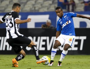 Élber; Cruzeiro (Foto: Washington Alves/Light Press)