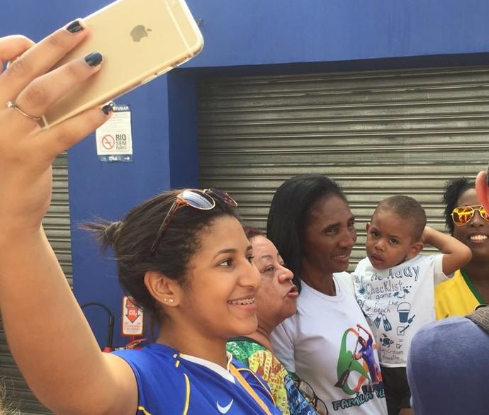 Dona Dilma Queiroz, mãe de Isaquias Queiroz (Foto: Felipe Siqueira)