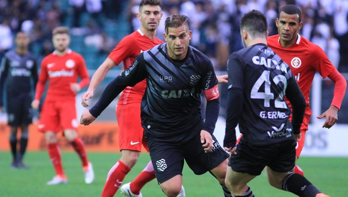 Rafael Moura Figueirense x Inter (Foto: Luiz Henrique/Figueirense FC)
