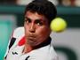 Monteiro começa bem, mas leva virada de russo top 40 em Wimbledon