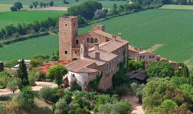 Castell d'Empordà, na Espanha  (Foto: Reprodução/hotelcastellemporda)