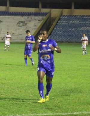 Lekão, atacante Parnahyba (Foto: Antônio Fontes /GloboEsporte.com)