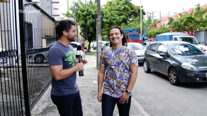 Daniel Viana conversa com Nathan Alves (Foto: Produção / Se Liga VM)