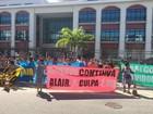 Professores fazem manifestação em frente ao fórum de Cabo Frio, no RJ