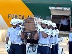 Avião da FAB desembarca com corpo de Déda para cremação na BA