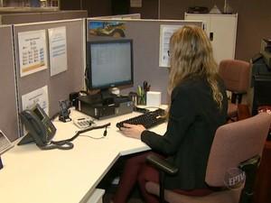 PAT oferece vaga para auxiliar administrativa  (Foto: Reprodução/ EPTV)