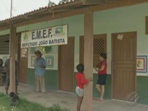 Cerca de 35 alunos da educação infantil dependem do transporte para chegar à instituição de ensino. (Foto: Reprodução/TV Liberal)