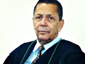 Ex-jogador e advogado Emilson Brasil (Foto: Reprodução/Facebook)