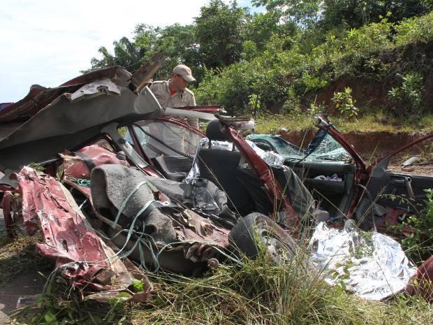 Acidente com carreta em rodovia estadual do Pará matou um casal de idosos na última quarta-feira (05). (Foto: Wagner Santana/ O Liberal)