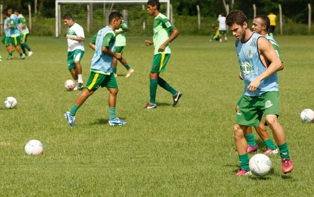 Paragominas treino (Foto: Marcelo Seabra/O Liberal)