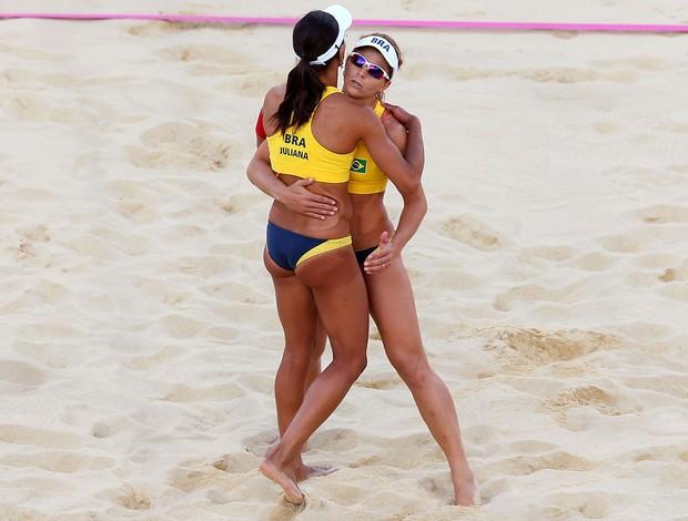 Juliana e Larissa vôlei de praia Olimpíadas 2012 (Foto: Getty Images)