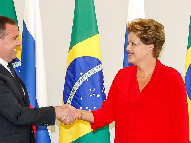 Presidente Dilma Rousseff recebe o primeiro-ministro russo, Dmitri Medvedev, no Palácio do Planalto, em Brasília (Foto: Roberto Stuckert Filho/PR)