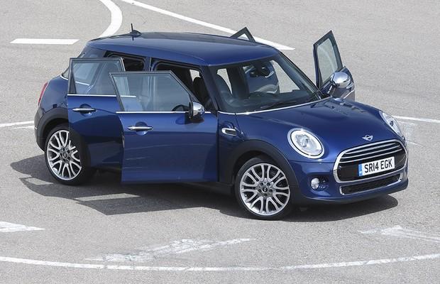 Mini Cooper quatro portas (Foto: Divulgação)