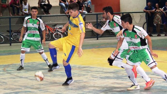Independente saiu na frente e abriu vantagem de dois gols (Foto: Imagem/Tércio Neto)