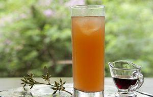 Drinque 'Fafá' leva suco de tangerina e licor de açaí
