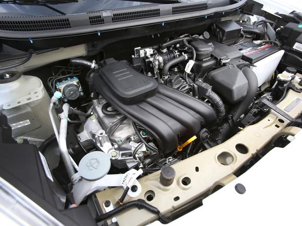 Motor de três cilindros do Nissan March (Foto: Divulgação)