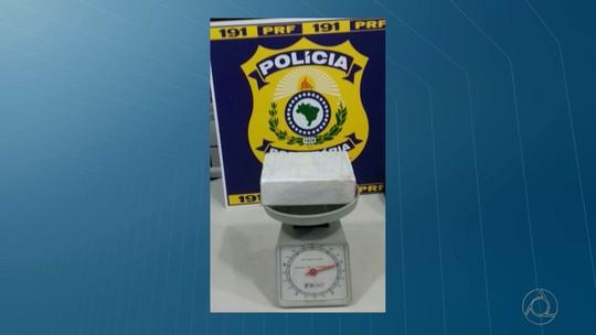 Mulher é presa com um quilo de cocaína em ônibus interestadual na Paraíba