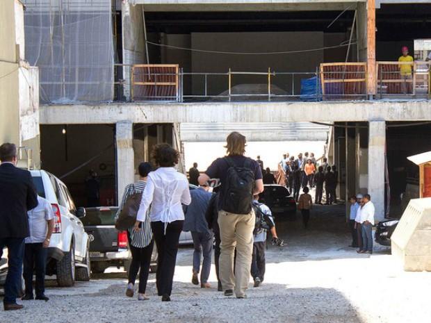 Chegada do comitê da Fifa à Arena da Baixada  (Foto: Paulo Lisboa / Agência Estado)