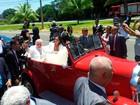 Ministro da Defesa, Wagner passa governo com roupa de casamento