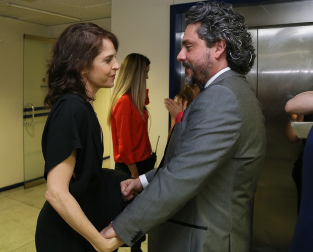 Drica e Nero colocam o papo em dia (Foto: Carol Caminha/Gshow)