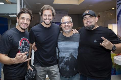 Leonardo Nogueira e Emanuel Jacobina entre Digão e Caio  (Foto: Tata Barreto/TV Globo)