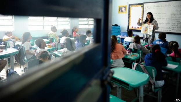 Investimento do Brasil por aluno é um dos mais baixos (Foto: Agência Brasil/BBC)