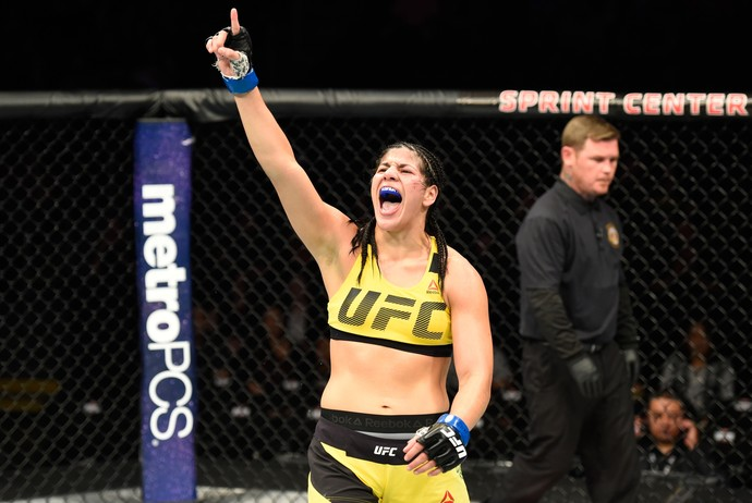 Ketlen Vieira x Ashlee Evans-Smith UFC Kansas City (Foto: Getty Images)