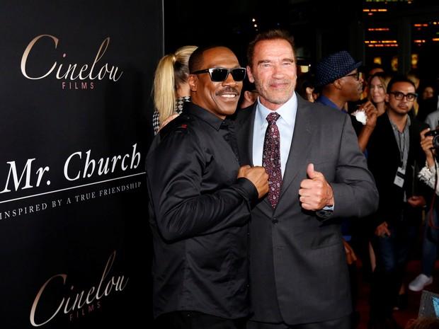 Eddie Murphy e Arnold Schwarzenegger em première em Los Angeles, nos Estados Unidos (Foto: Mario Anzuoni/ Reuters)