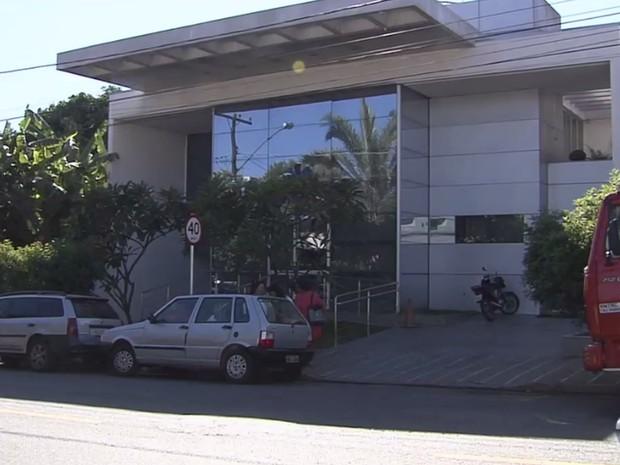 Pacientes passaram mal durante hemodiálise em clínica de Goiânia, Goiás (Foto: Reprodução/ TV Anhanguera)