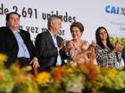 Rollemberg é vaiado em entrega de imóveis ao lado de Dilma no Paranoá