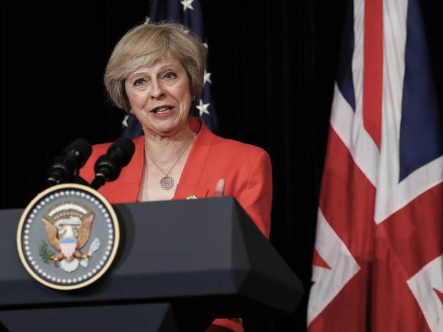 British Prime Minister Theresa May talks to media with U.S. President Barack Obama after their bilateral meeting in Hangzhou in eastern China's Zhejiang province, Sunday, Sept. 4, 2016, alongside the G20. (Foto: Carolyn Kaster/AP)