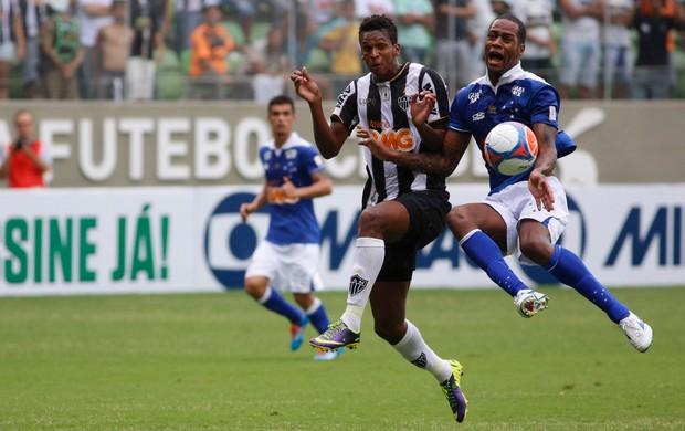 Jô e Dedé, Atlético-MG x Cruzeiro (Foto: Alisson Gontijo/Agência Estado)