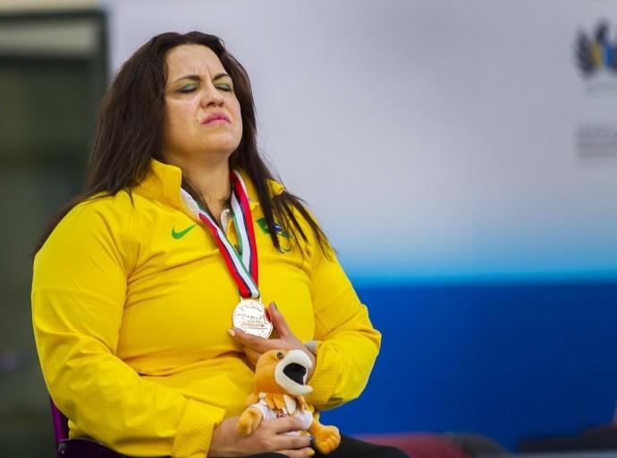 Márcia Menezes levantou 116kg e faturou a medalha de bronze na categoria até 79kg (Foto: Divulgação)
