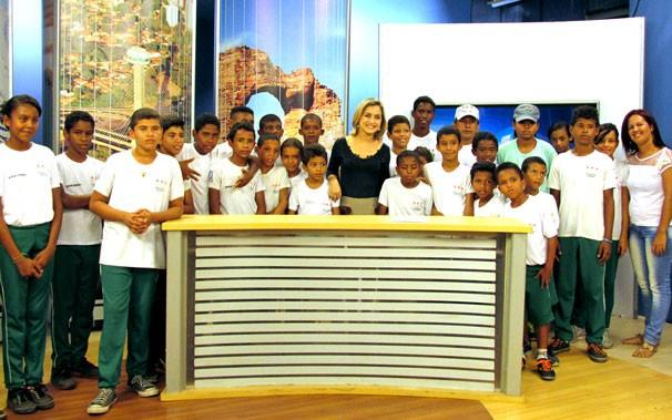 Visita do projeto 'Amigos da TV Clube' conta com brincadeiras e momento para fotos (Foto: Katylenin França/TV Clube)