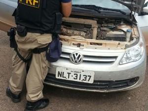 Carro roubado é recuperado pela PRF, no norte do Tocantins (Foto: Divulgação/PRF TO)