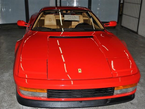 Ferrari Testarossa 1988 foi apreendida em agosto de 2010, em Belo Horizonte (Foto: Divulgação / Receita Federal)