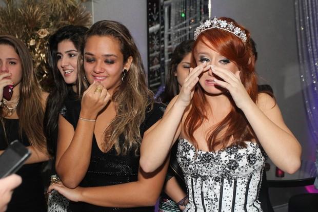 Bruna Griphao se emociona (Foto: Anderson Borde/AgNews)
