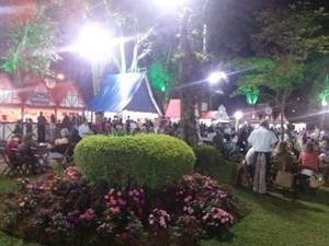 Barraquinhas da festa (Foto: Andressa Canejo / G1)