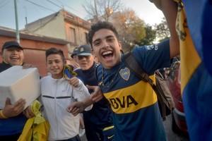 Torcedores Boca Juniors fora Bombonera (Foto: EFE/Juan Ignacio Roncoroni)