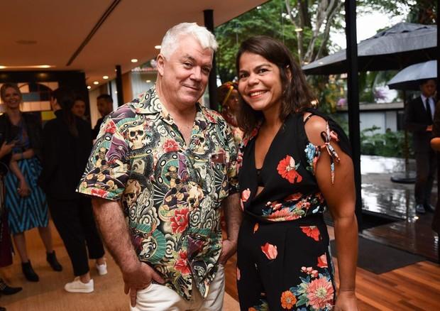 Tim Blanks, editor do Business of Fashion e a diretora geral da EGCN, Daniela Falcão (Foto: Divulgação)