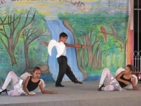 Alunos da Fundação ensaiam na oficina de dança (Foto: Divulgação)
