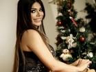 Suzy Cortez faz ensaio para o Natal e diz: 'Sempre gostei de pisca-pisca'