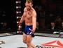 Ryan Hall adota tática pouco ortodoxa e bate Gray Maynard por unanimidade