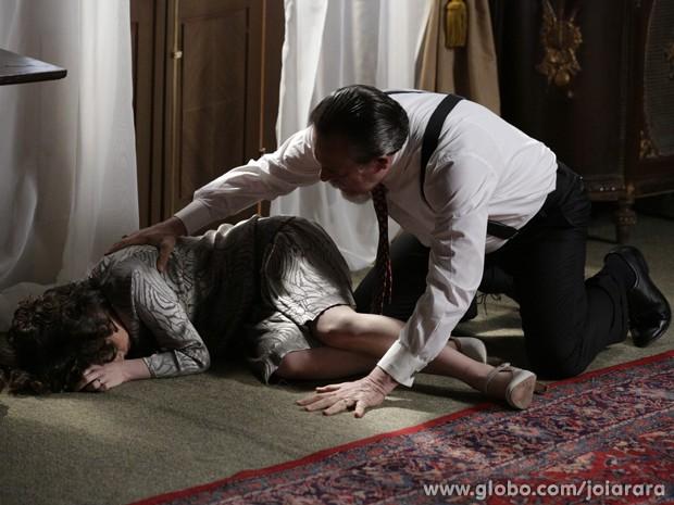Ernest relembra morte de Catarina e diz para si mesmo: 'Foi um acidente' (Foto: Fábio Rocha/TV Globo)