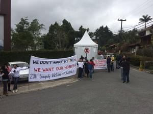 Grupos fizem que só existe dinheiro para Olimpíada e não para educação (Foto: Gustavo Garcia/G1)